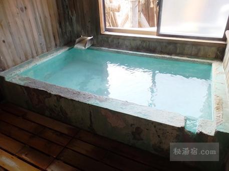 須川高原温泉 貸切風呂その1