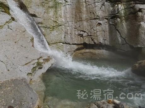 川原毛大湯滝27