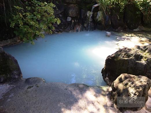鶴の湯-女湯露天風呂103