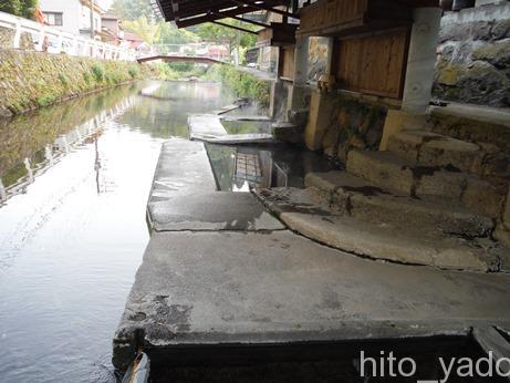 満願寺温泉 川湯(共同浴場)8