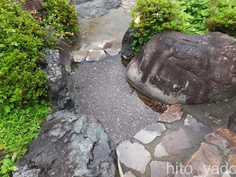 谷旅館の温泉8