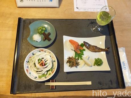 手白澤温泉の食事2