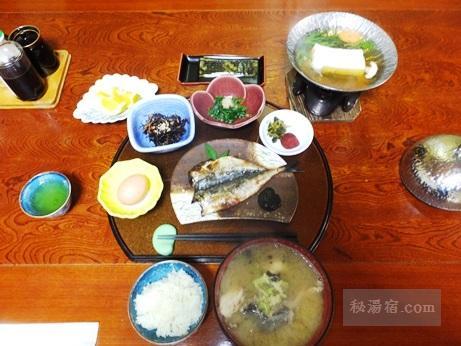 湯楽亭-朝食1