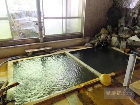 横向温泉 中の湯旅館 日帰り入浴 ★★★+