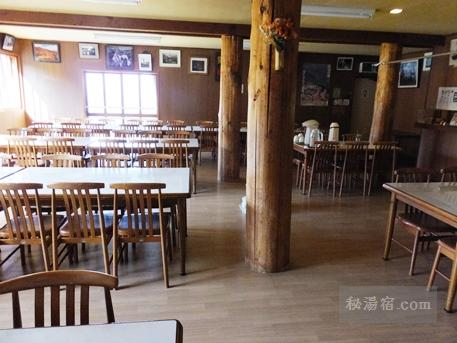蓮華温泉ロッジ-食堂2