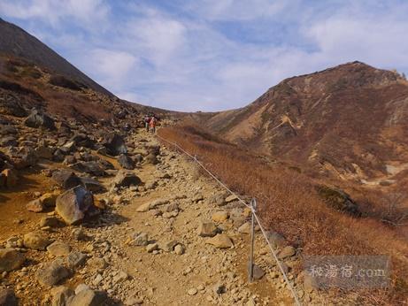 茶臼岳から三斗小屋50