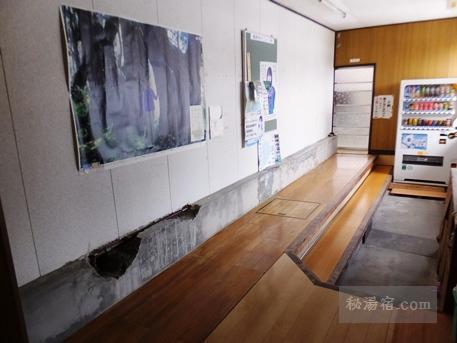 新津温泉11