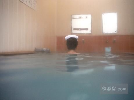 新津温泉22