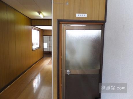 新津温泉10
