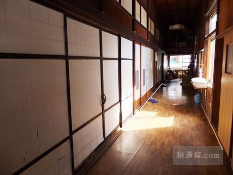 新津温泉12
