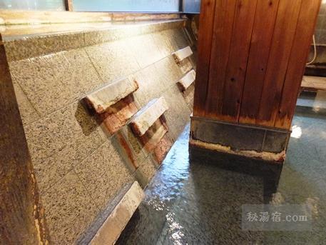 草津ホテル 風呂18