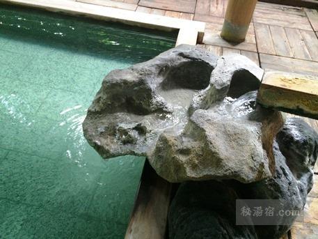 草津ホテル 風呂2