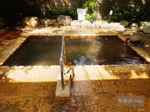 神の郷温泉の女性用露天風呂