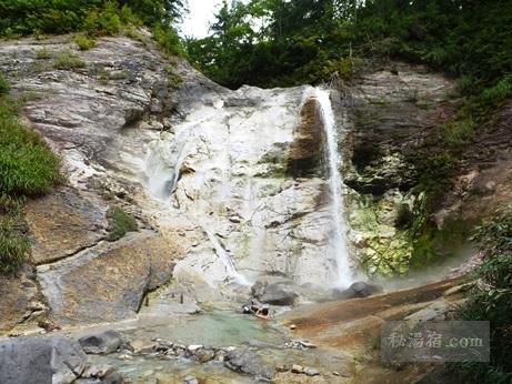 川原毛大湯滝22