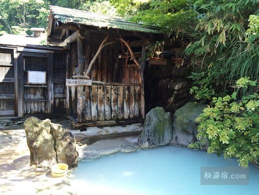 鶴の湯-女湯露天風呂104