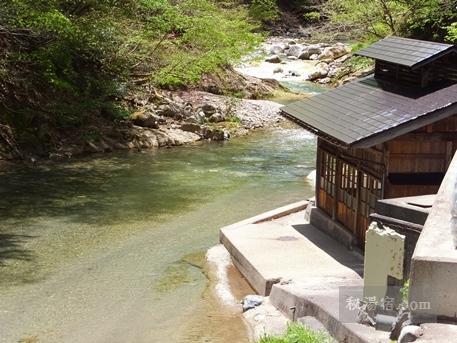 木賊温泉井筒屋の男湯の湯小屋