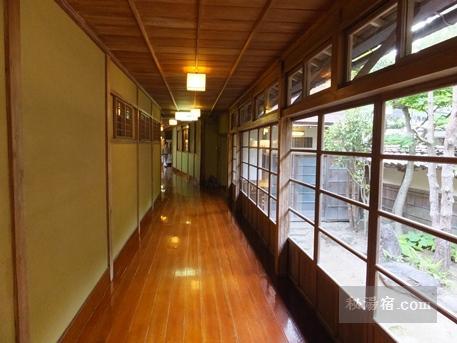 向瀧-部屋7