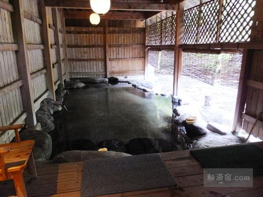 湯の小屋温泉 龍洞12