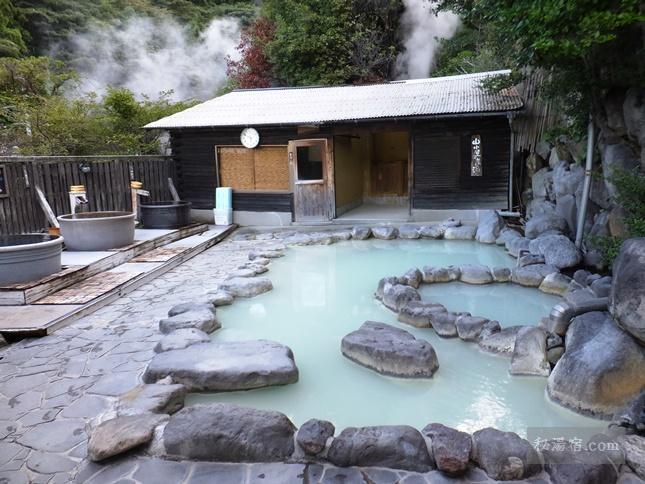 湯屋えびす 1階 風と歩く露天風呂